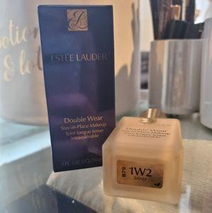 Estee Lauder Double Wear Foundation 1W2 Sand